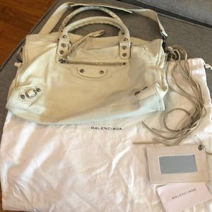Authentic! Balenciaga classic moto bag in ivory